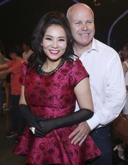 Thu Minh và chồng được xem là một trong số hiếm hoi có cuộc sống xa hoa, hạnh phúc nhất showbiz Việt hiện nay