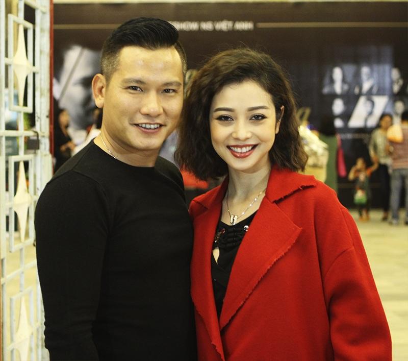 Đức Hải, chồng của Jennifer Phạm, là người bạn khá thân của nhạc sĩ đã đến ủng hộ bạn mình.