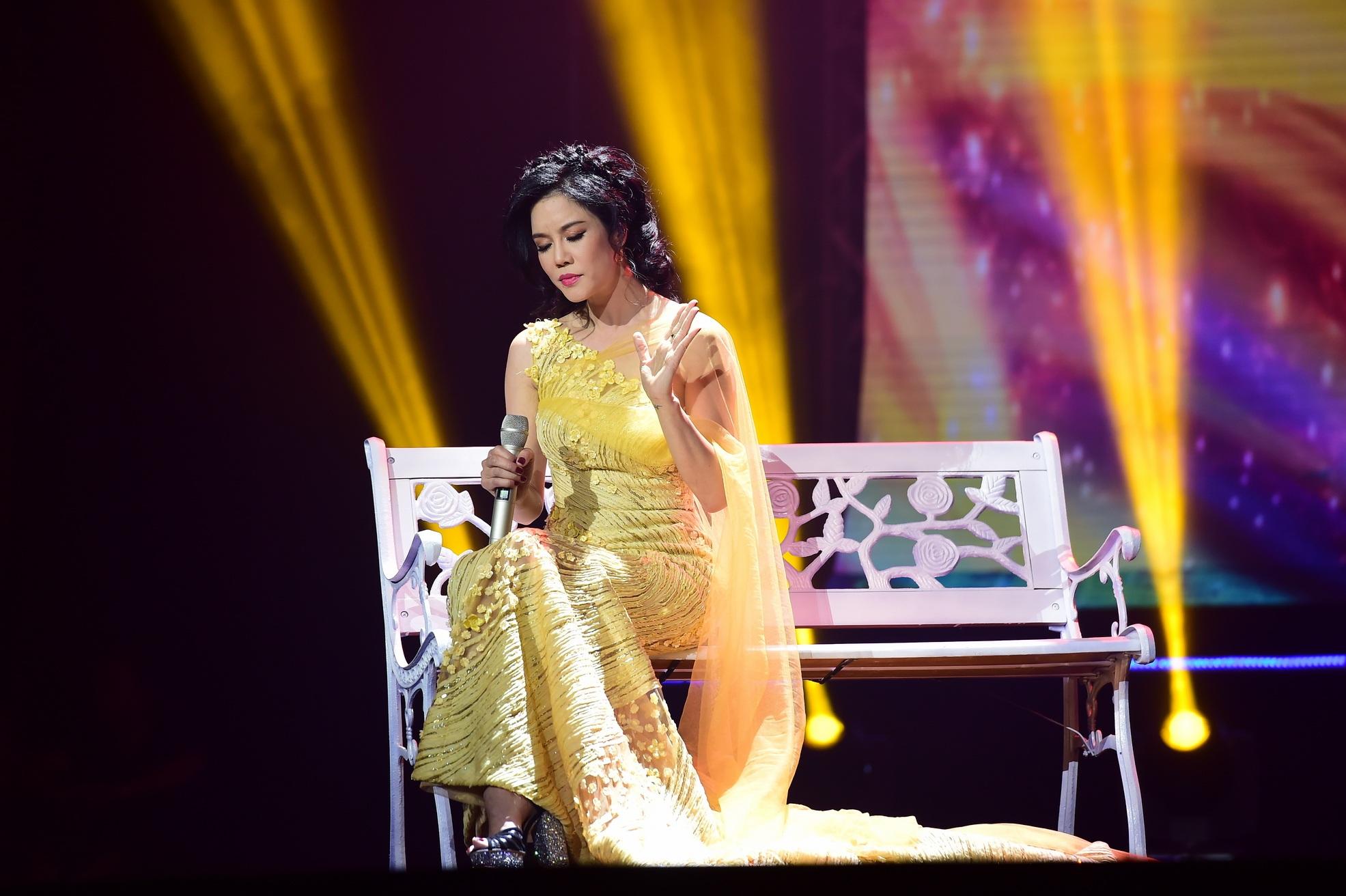 Trong chương trình, Thu Phương đã trình diễn ca khúc Dòng sông lơ đãng, Chưa bao giờ, Đêm nằm mơ phố và sáng tác mới nhất của nhạc sĩ Việt Anh. Tất cả được thể hiện bằng chất giọng nồng nàn và nhiều cảm xúc.