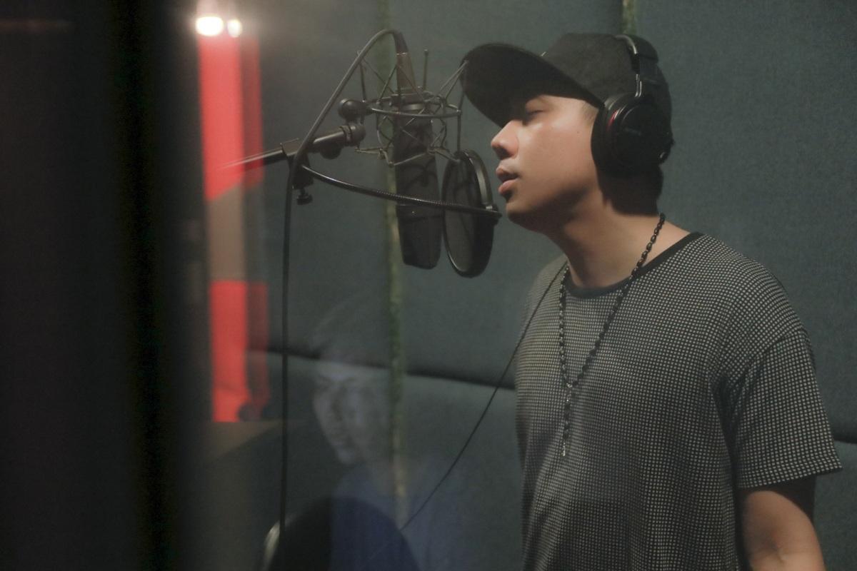 Ngoài công việc MC, diễn viên thì ca hát là một trong những mơ ước lớn mà Trấn Thành luôn muốn chinh phục