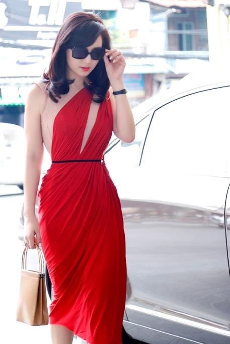 Giáng My diện đầm đỏ rực chấm thi tại Thái Lan - 1