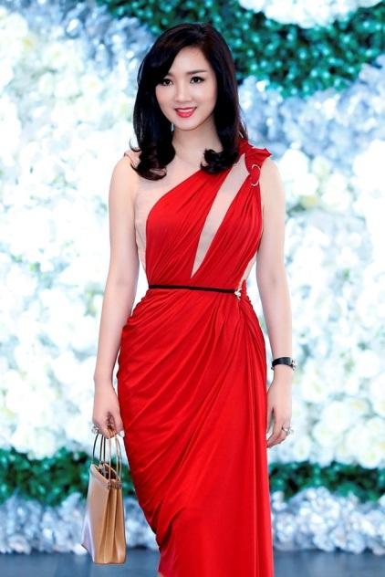 Giáng My diện đầm đỏ rực chấm thi tại Thái Lan - 4