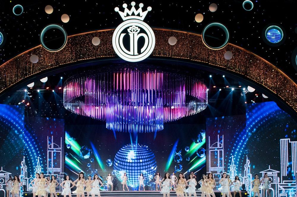 Sân khấu hoành tráng của đêm chung kết Hoa hậu Việt Nam 2016 tổ chức tại TPHCM sau 14 năm