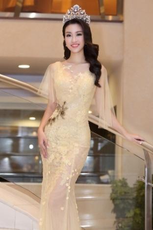 Hoa hậu Đỗ Mỹ Linh khoe nhan sắc ngọt ngào hậu đăng quang - 3