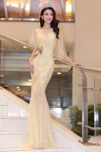 Hoa hậu Đỗ Mỹ Linh khoe nhan sắc ngọt ngào hậu đăng quang - 11