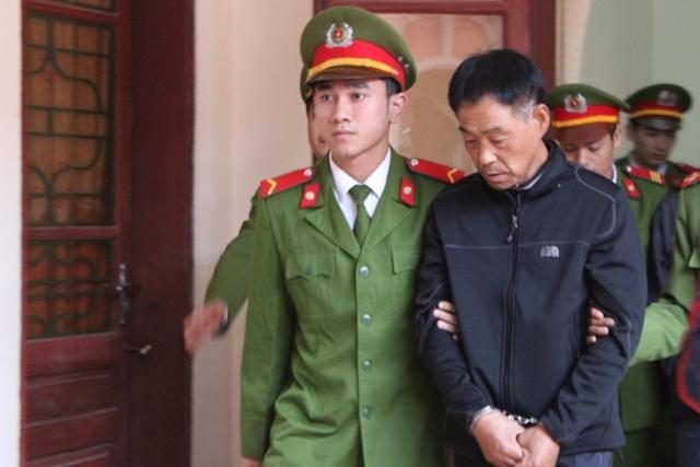 và bị cáo Lee Jae Myeong