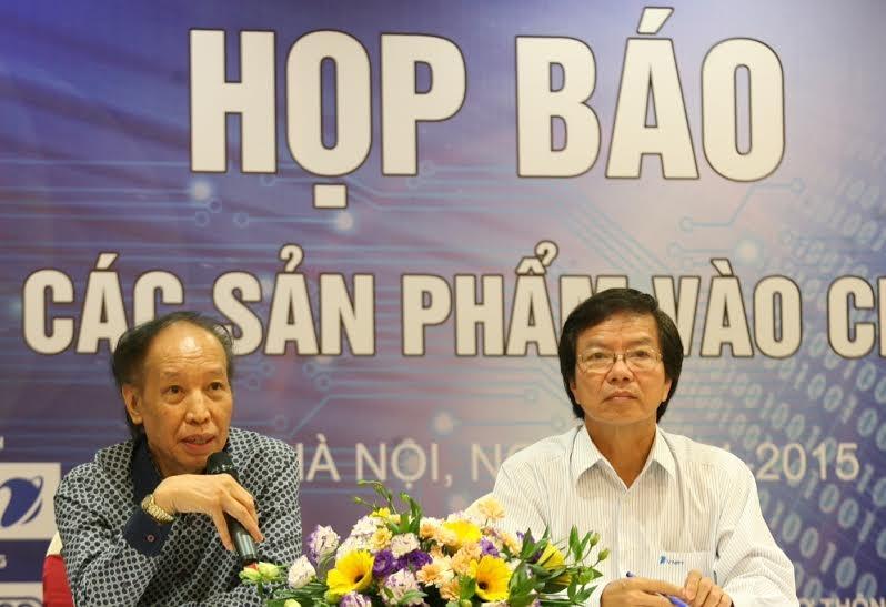 Ông Phạm Huy Hoàn - Trưởng ban tổ chức Giải thưởng NTĐV, đại diện VNPT trả lời thấu đáo các câu hỏi mà phóng viên đưa ra