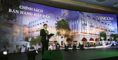 Đại diện kinh doanh giới thiệu về Nhà phố thương mại Vincom Shophouse Thái Bình