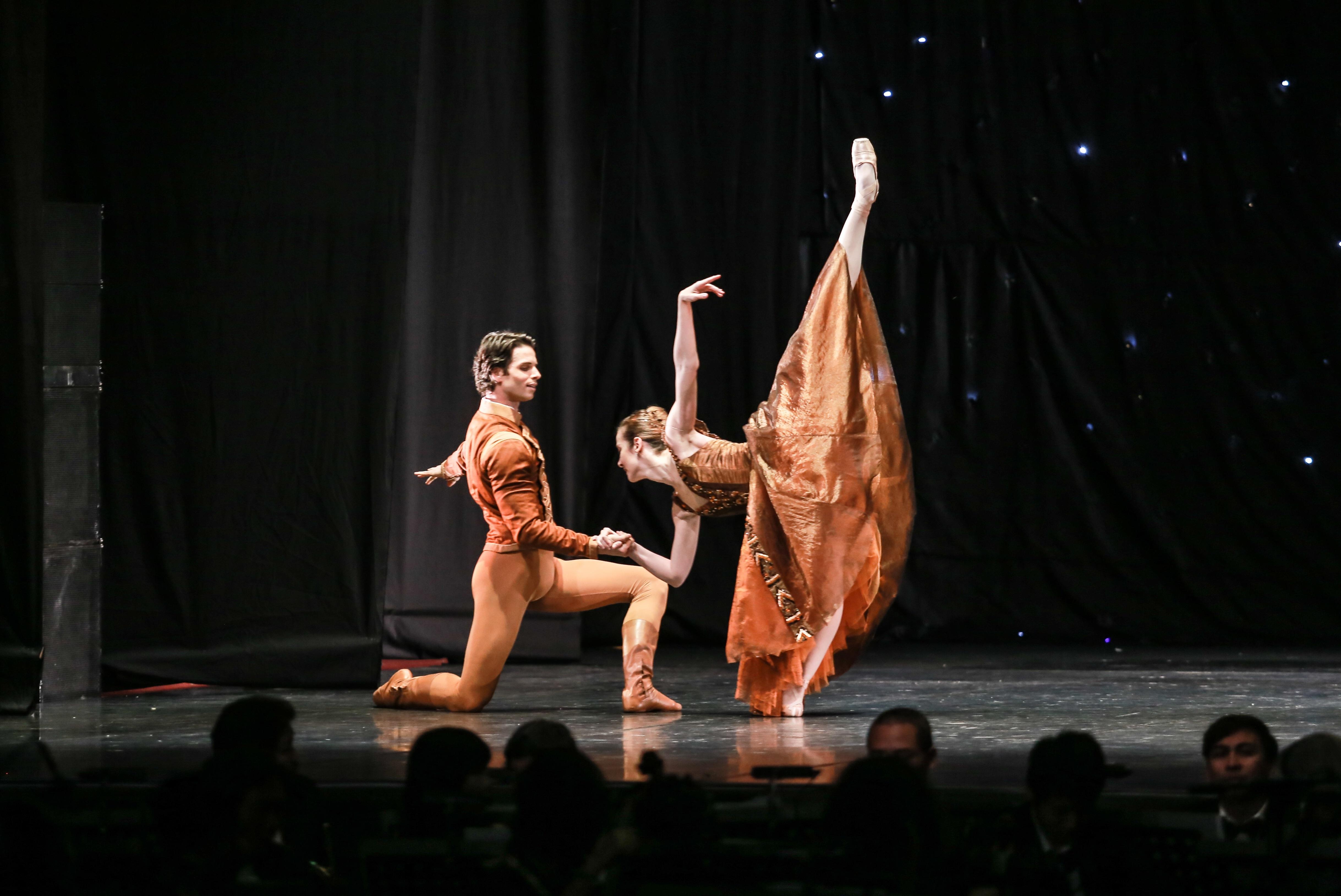 """Paris Ballet par Vpbank: """"Ly vang Pháp"""" cho người sành điệu - 2"""
