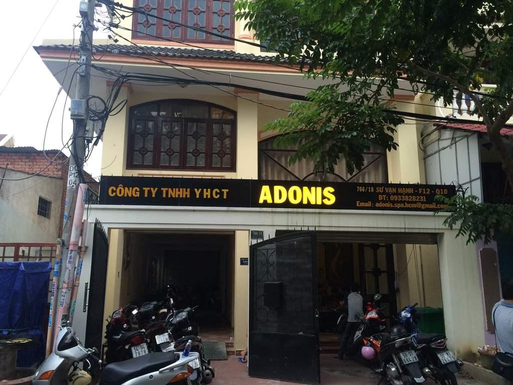 Công ty TNHH Y học Cổ truyền Adonis đăng ký khám chữa bệnh nhưng bên trong lại là một ổ mại dâm nam