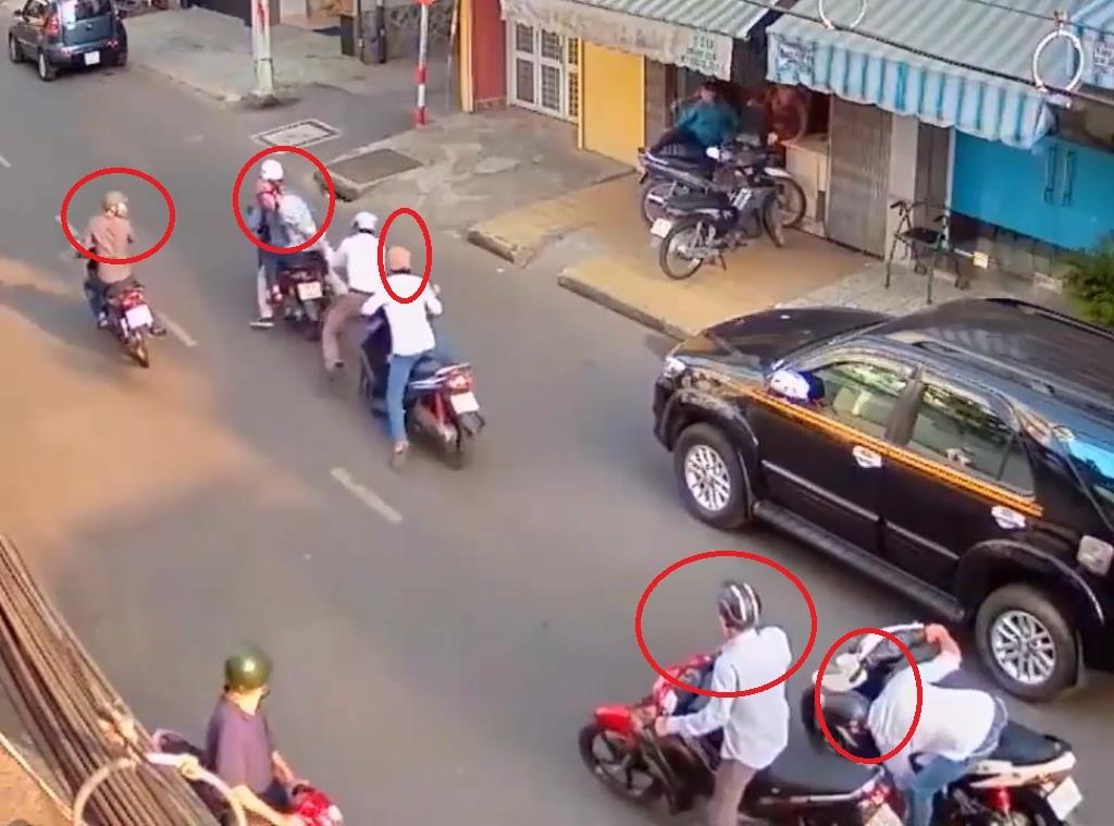 Nhờ camera an ninh ghi lại diễn biến vụ dàn cảnh nên nhóm trộm tài sản đã bị công an bắt giữ sau vài giờ gây án