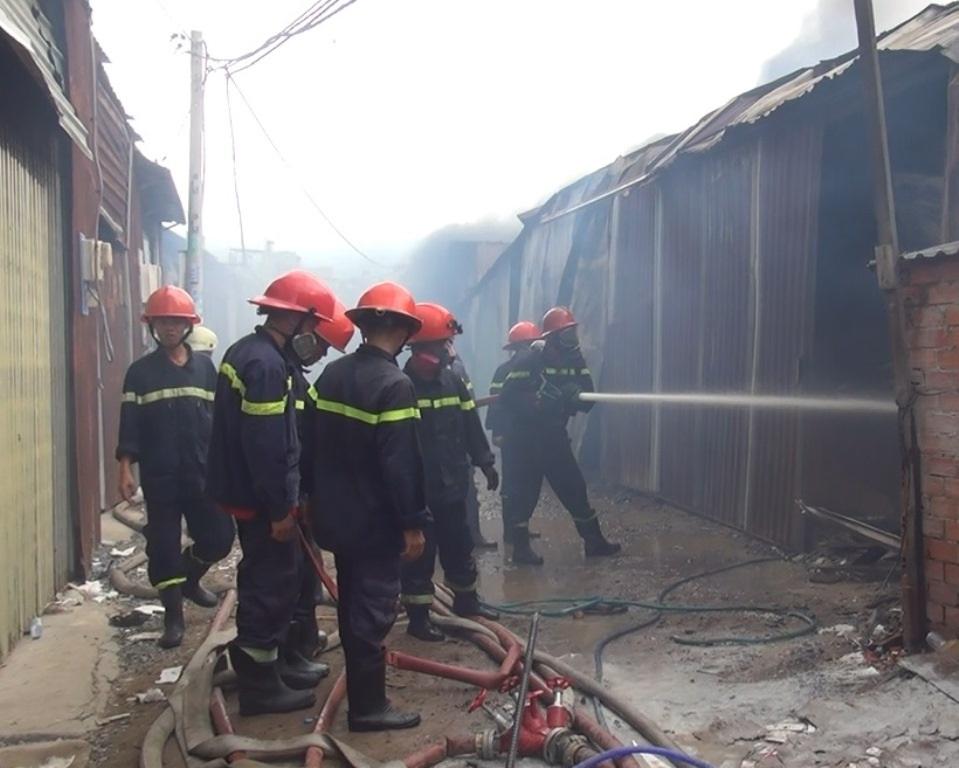 Lực lượng chữa cháy tại hiện trường