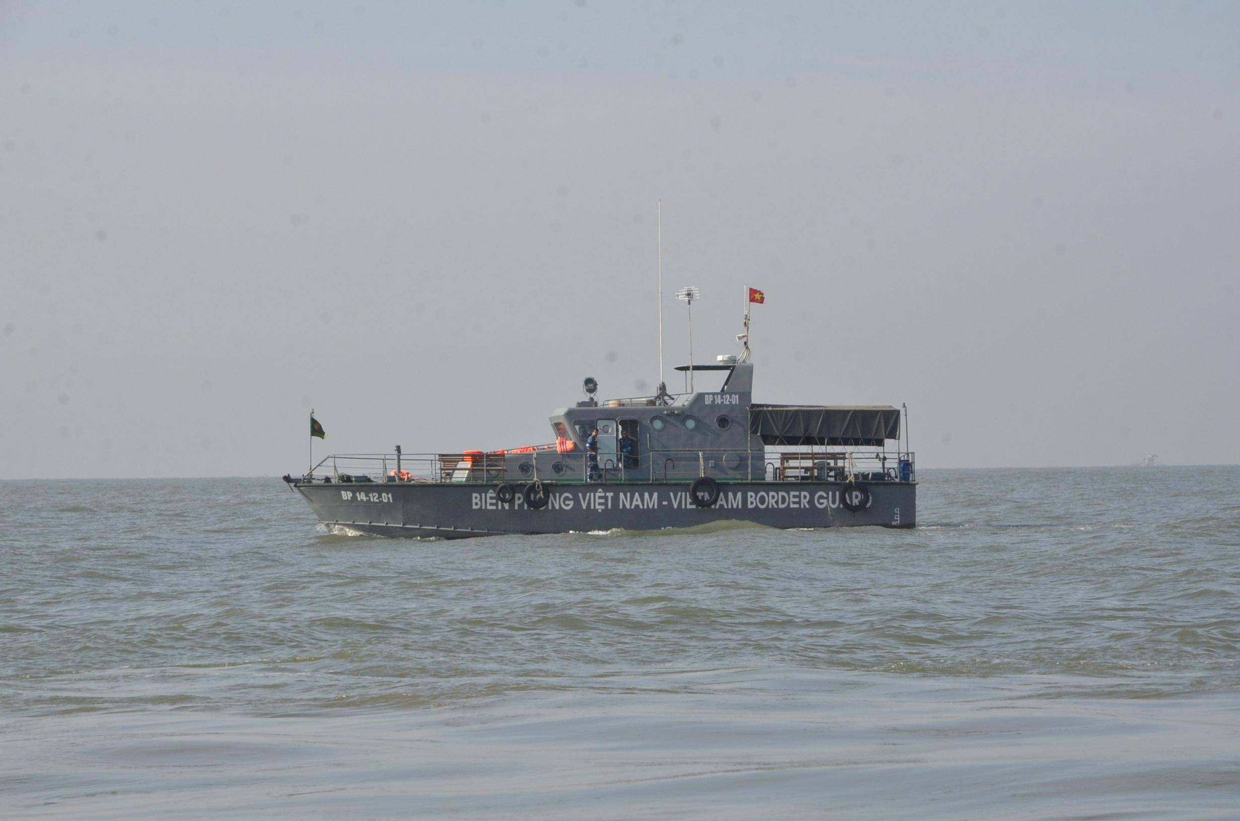 Lực lượng Biên phòng TPHCM tham gia cứu hộ trên biển Cần Giờ