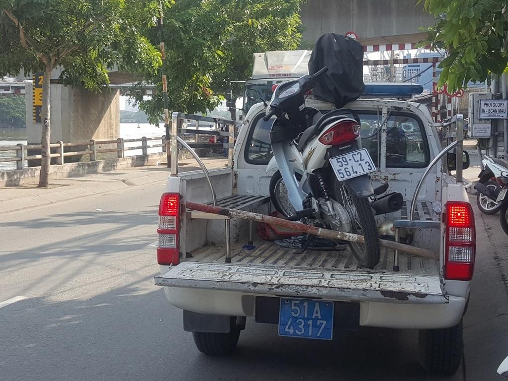 Chiếc xe máy công an thu giữ tại hiện trường