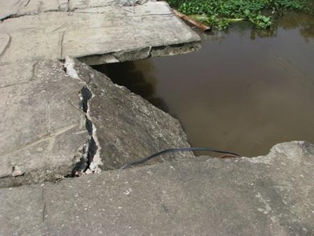 """""""Mong có cầu mới cho tụi nhỏ đi học an toàn hơn"""" - 6"""