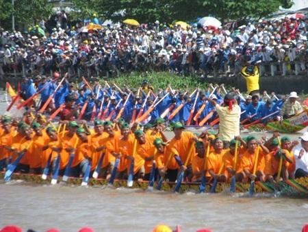 Hấp dẫn giải đua ghe Ngo đồng bào Khmer Nam Bộ - 7