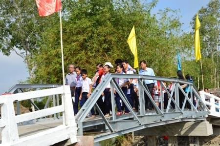 Khánh thành cầu Dân trí thứ 10 tại Sóc Trăng - 20
