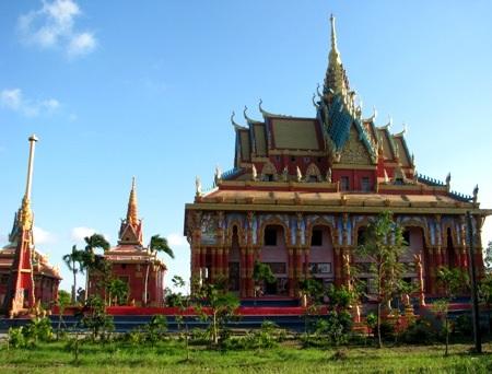 Chùa Khmer tọa lạc tại xã Hưng Hội, huyện Vĩnh Lợi.