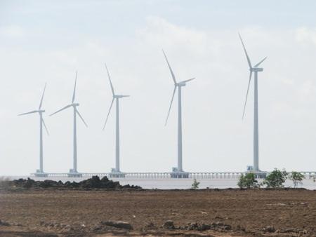 Khu Nhà máy Điện gió tọa lạc tại xã Vĩnh Trạch Đông, TP Bạc Liêu.