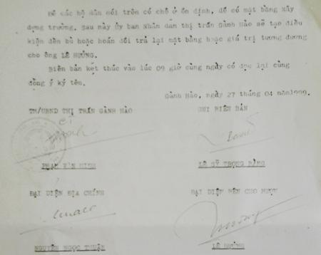 Biên bản mượn đất ông Lê Hưởng của UBND thị trấn Gành Hào năm 1999.