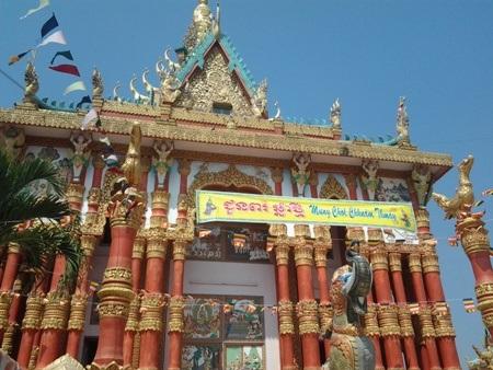 Chùa Khmer rực rỡ đón Tết cổ truyền - 1