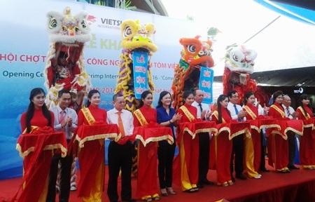 Khai mạc Hội chợ ngành tôm lần đầu tiên được tổ chức tại Việt Nam.