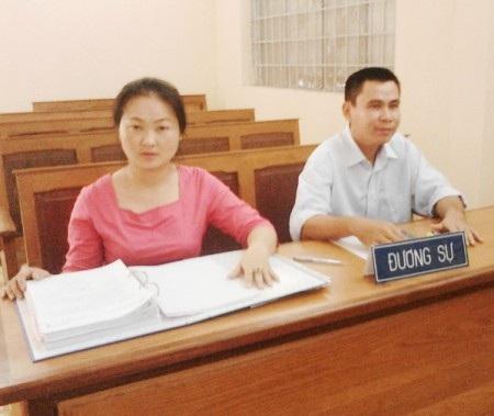 Anh Đông – chị Tuyền tại phiên tòa.