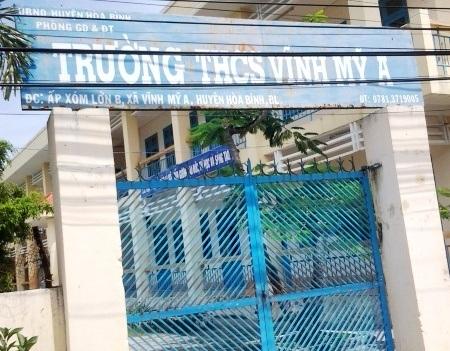 Trường THCS Vĩnh Mỹ A, nơi ông Phan Thanh Tài- Phó hiệu trưởng bị tố có nhiều sai phạm nhưng vẫn không được xử lý mà còn được giao điều hành trường đã gây bất bình trong dư luận giáo viên.