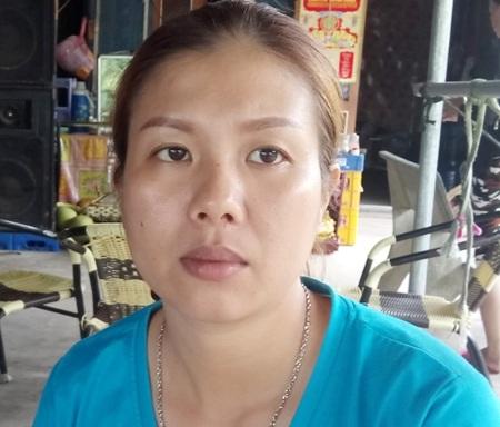 Bà Huỳnh Thị Phương Thảo bức xúc vì bị cơ quan thi hành án cưỡng chế tài sản,