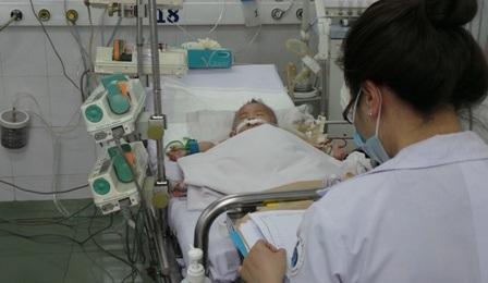 Phương pháp lọc máu liên tục đã cứu sống nhiều bệnh nhi mắc sốt xuất huyết nặng