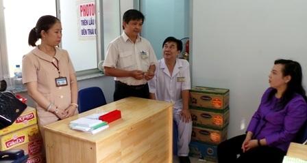 10 thùng sữa và 10 thùng mỳ tôm được Bộ trưởng Kim Tiến trích tiền túi hỗ trợ người bệnh