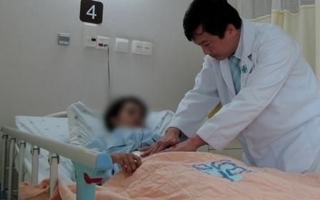 Nữ bệnh nhân mới 23 tuổi đã bị ung thư phải cắt 3/4 dạ dày