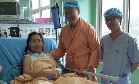 Sau hơn 3 tiếng nội soi, bác sĩ đã gắp dị vật, can thiệp thành công bệnh hở van 3 lá