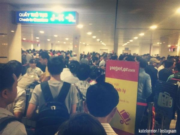Một khách nước ngoài chia sẻ hình ảnh chụp được tại sân bay quốc tế Tân Sơn Nhất.