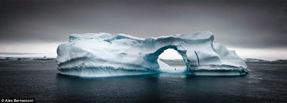 Khám phá vẻ đẹp ngạt thở ở nơi có khí hậu khắc nghiệt nhất thế giới - 9