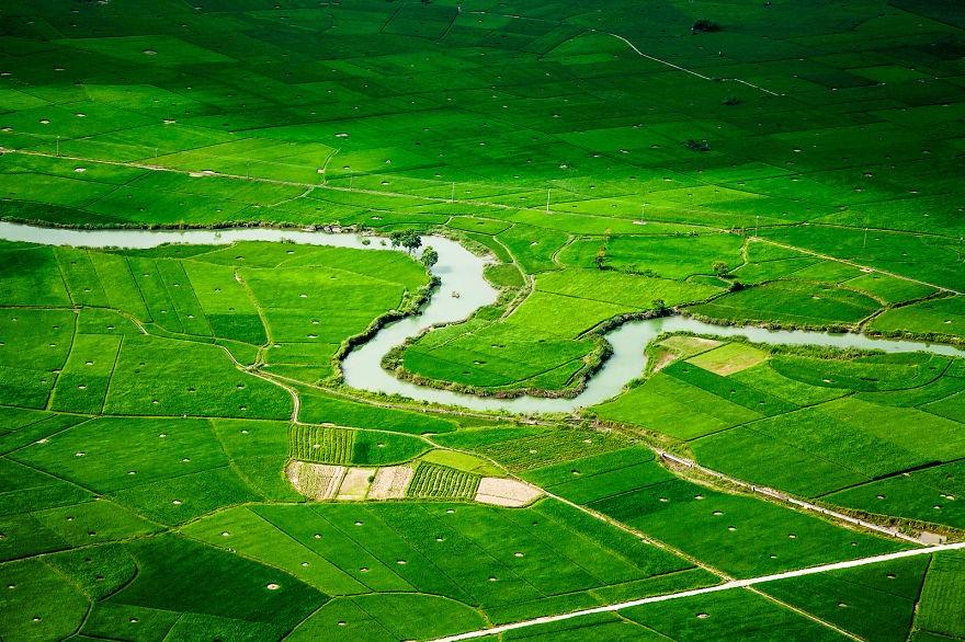 Non nước Bắc Sơn nhìn từ trên cao