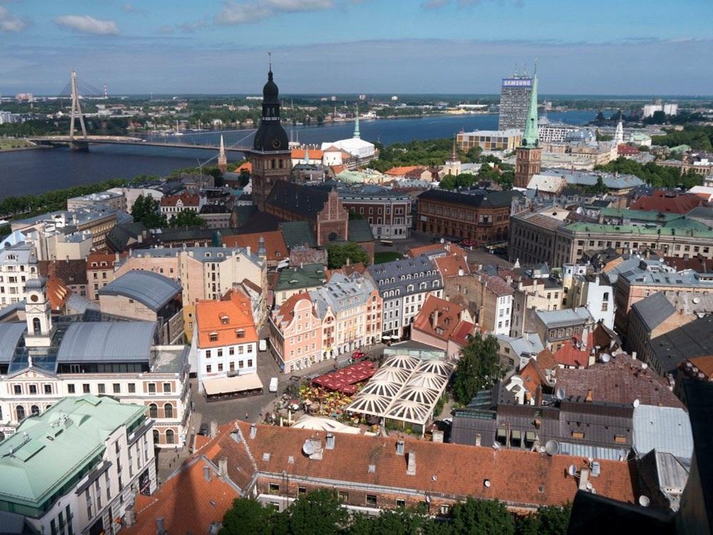 Riga (Latvia): Nơi đây được tạp chí Lonely Planet bình chọn là điểm đến hàng đầu của năm 2016 nhờ những tiến bộ vượt bậc mà thành phố này đạt được trong vòng 25 năm qua. Nhiều lâu đài và tòa nhà lớn được phục dựng để phục vụ du khách tham quan.