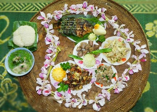 Những món ngon lạ miệng làm từ... hoa ở Việt Nam - 1