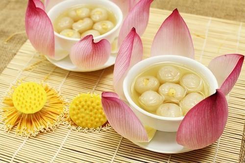 Những món ngon lạ miệng làm từ... hoa ở Việt Nam - 2