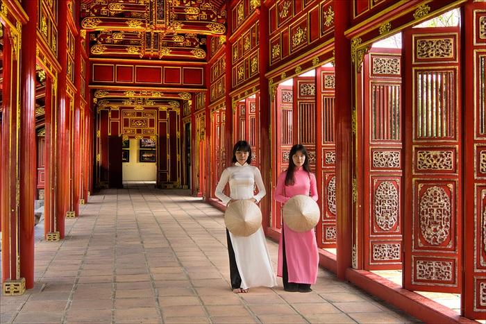 Nhiếp ảnh gia nước ngoài say mê với tà áo dài Việt - 10