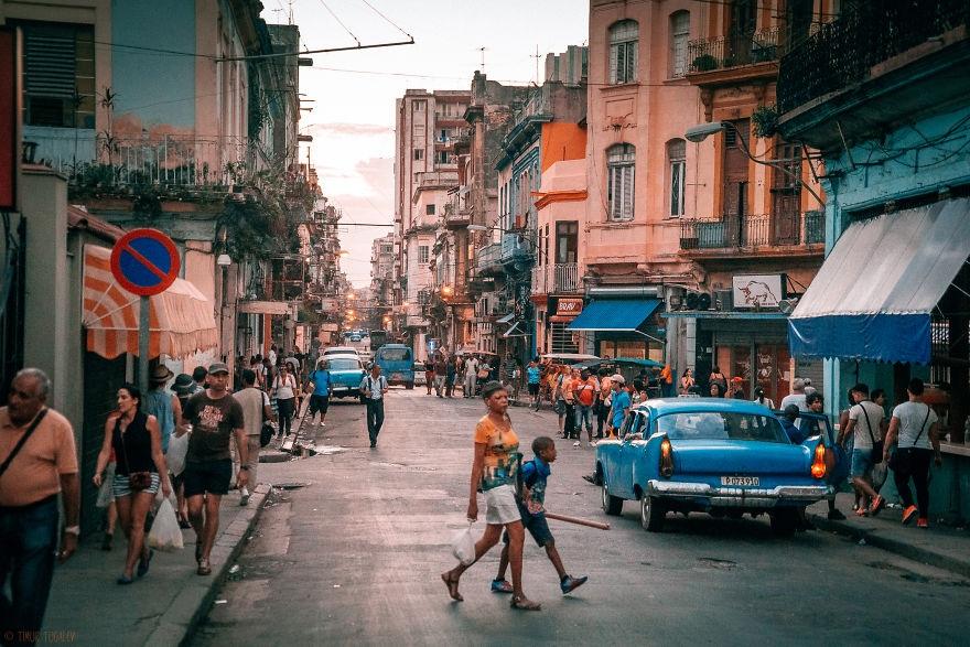 Khách nước ngoài đang tới Cuba ngày một đông