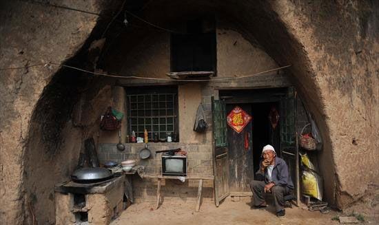 Kỳ lạ những ngôi làng nằm trong hang động hàng trăm năm - 7
