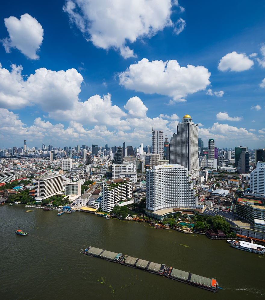 Ngày nắng ở Bangkok nhìn từ con sông Chao Phraya