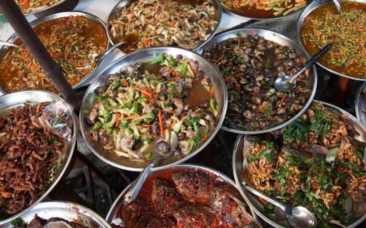 Thủ đô Bangkok Thái Lan đứng vị trí thứ 10. Món ăn Thái hấp dẫn thực khách bởi cách chế biến với nhiều gia vị mạnh, kích thích vị giác.