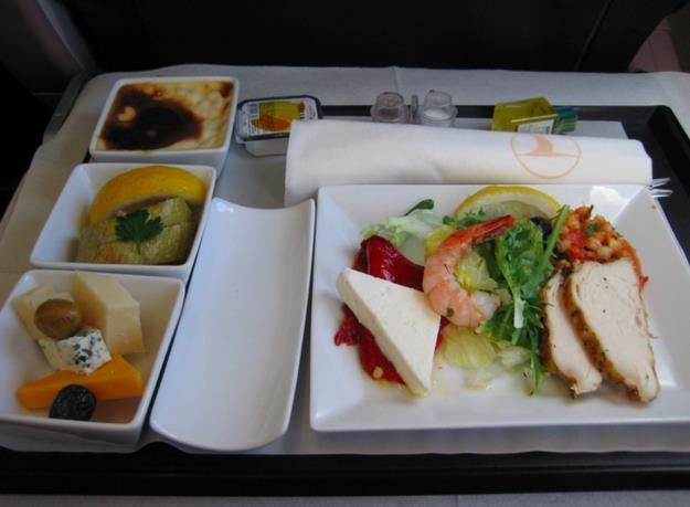 """Chiêm ngưỡng những suất ăn """"sang chảnh"""" của các hãng hàng không - 3"""