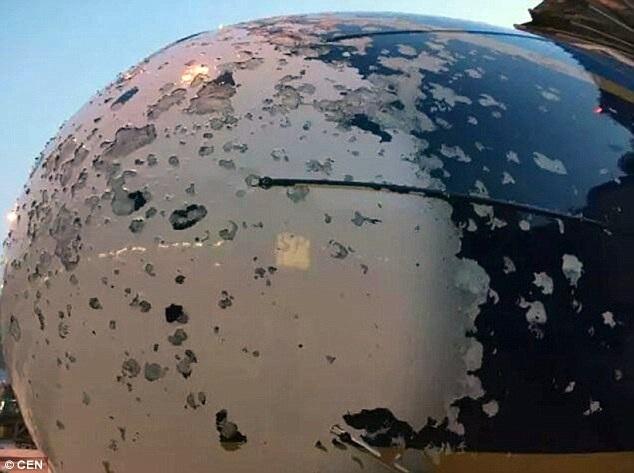 Trận mưa đá lớn khiến đầu máy bay bị hư hại nghiêm trọng