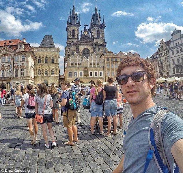Những năm tháng học tại nước ngoài đã khởi nguồn cho chuyến đi sau này của chàng trai người Mỹ