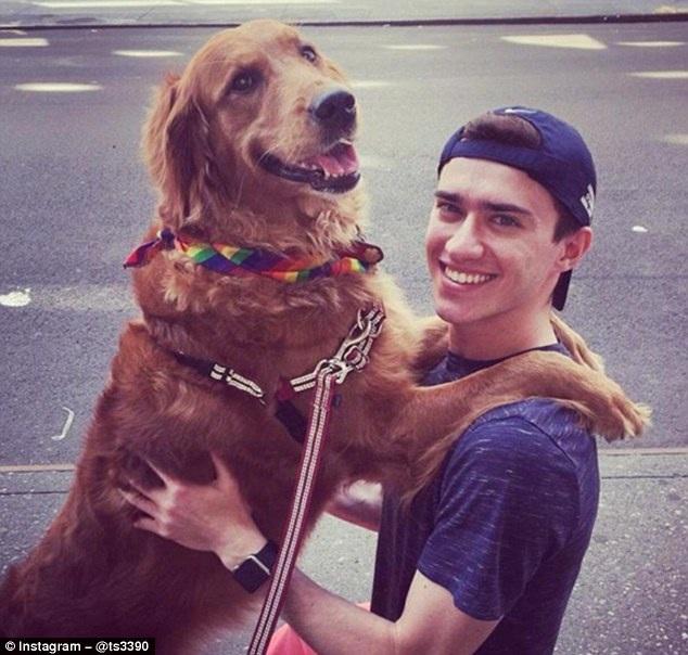 """""""Nàng chó"""" thân thiện nhất thế giới thích ôm ấp du khách lạ - 8"""