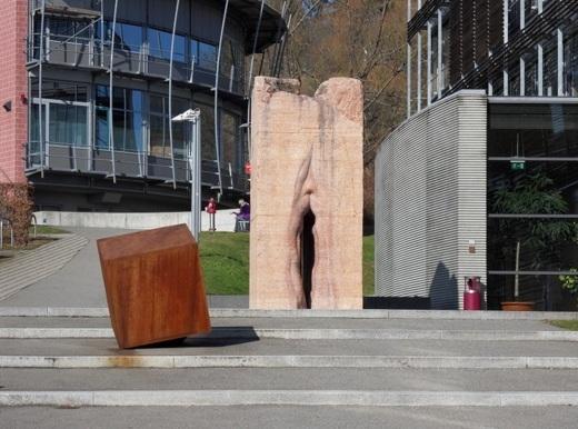 Những bức tượng khiến du khách phải đỏ mặt khi chứng kiến - 8