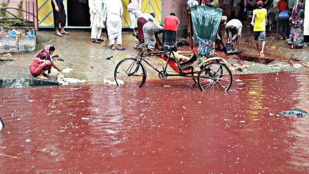 Đường phố Bangladesh nhuộm đỏ màu máu sau lễ hiến tế - 6